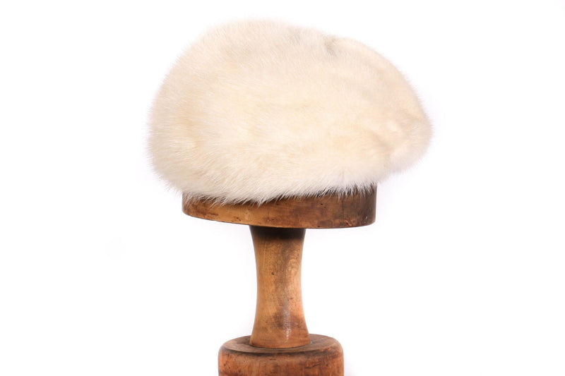 Dolores white fur hat