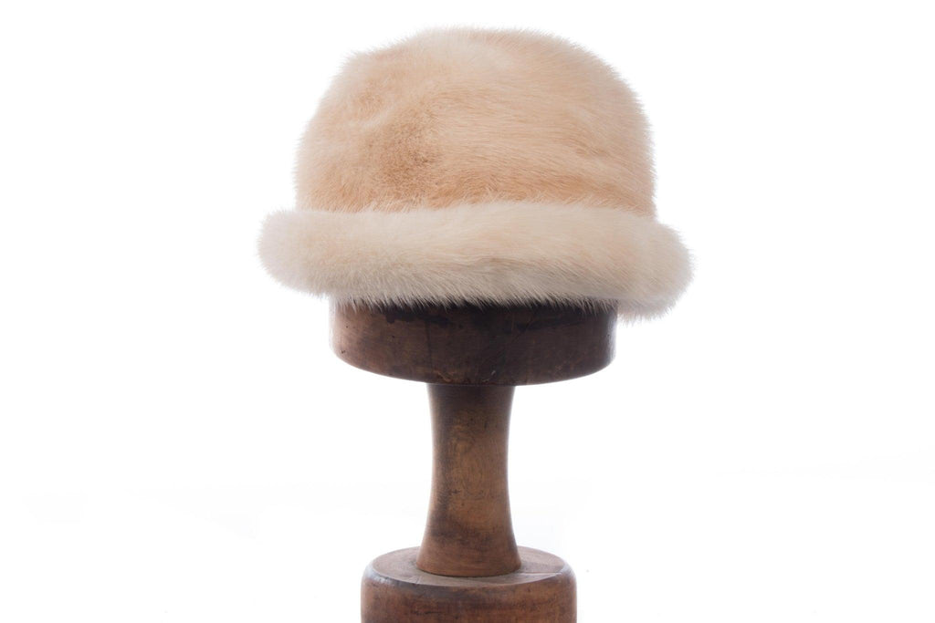 Fenwick fur hat, cream