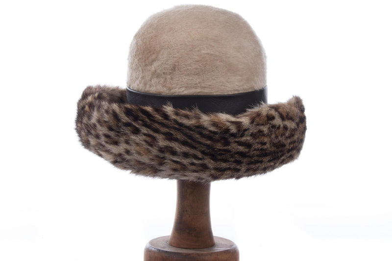 Lovely vintage cream and leopard print hat with leather band