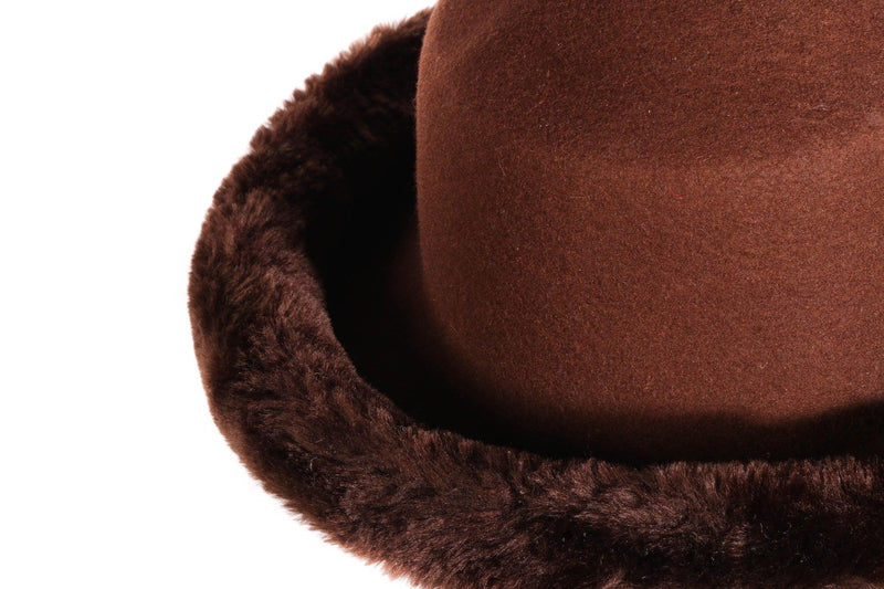 Brown hat with fur rim  detail
