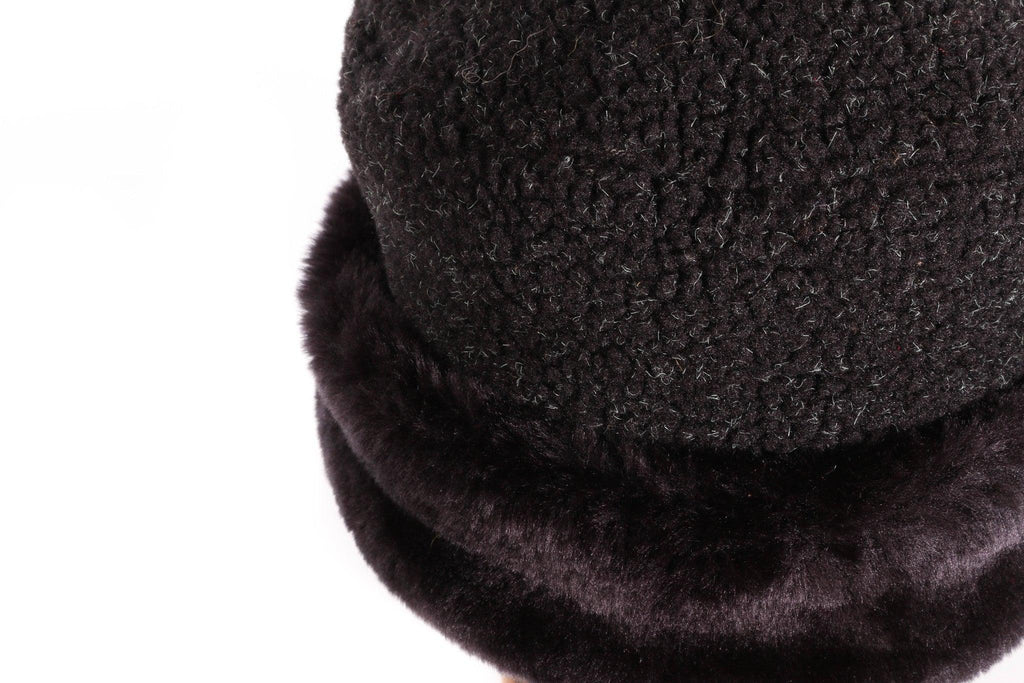 Balfour black fur hat with fleece top  detail