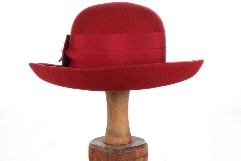 Fabulous jaeger hat with hat pin