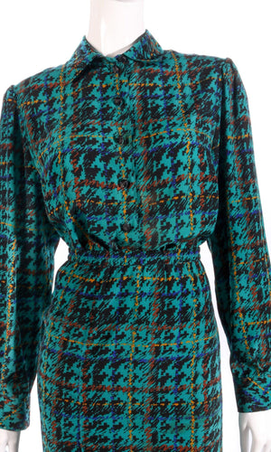 Devernois green shirt and matching skirt detail