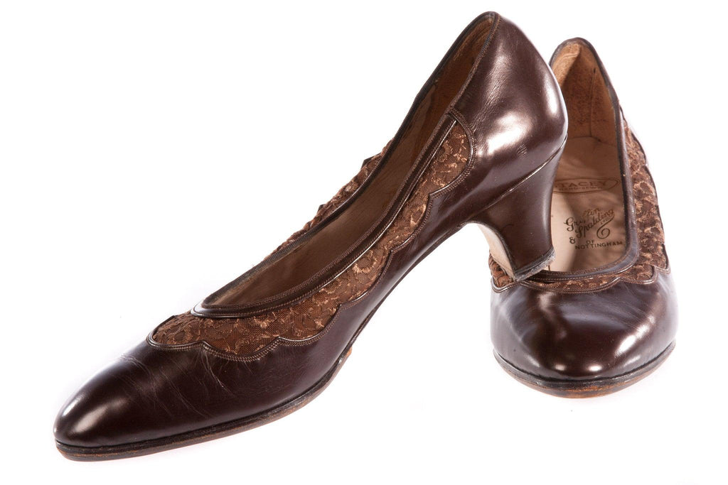 Brown leather shoes with lace detail