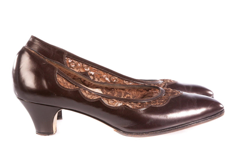 Brown leather shoes with lace detail side