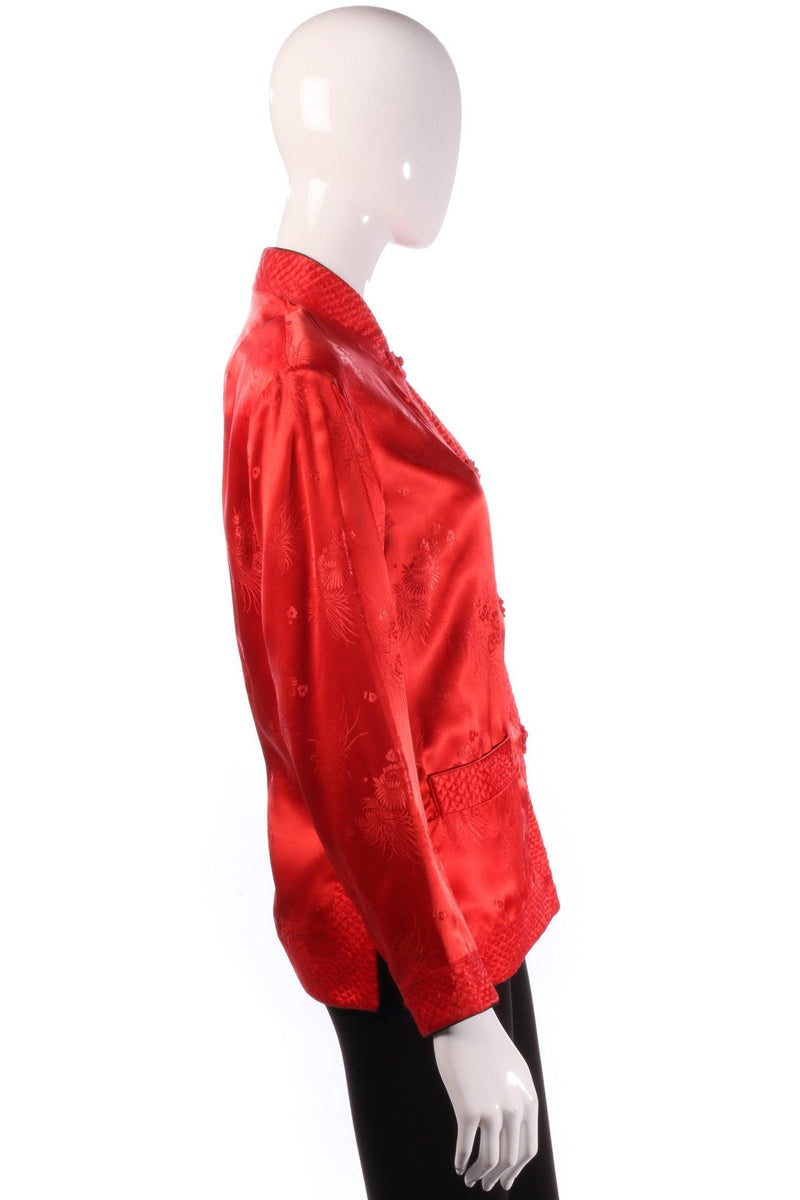 Reversible red and black silk Chinese jacket side