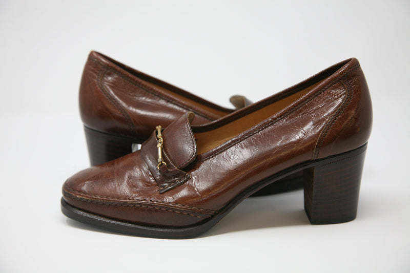 Kurt Geiger Vintage Heeled Loafers Brown with Gold Bar Size 37.5 Made In Italy