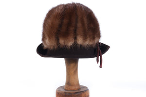 Dark brown hat with fur