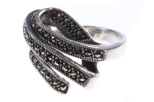 Silver coloured ring with crystal detail