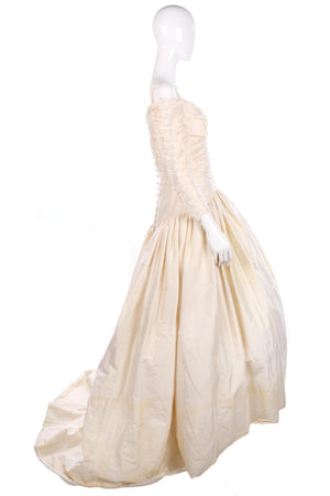 Vintage wedding dress, cream with beaded details
