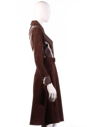 Brown collared dress with long sleeves side