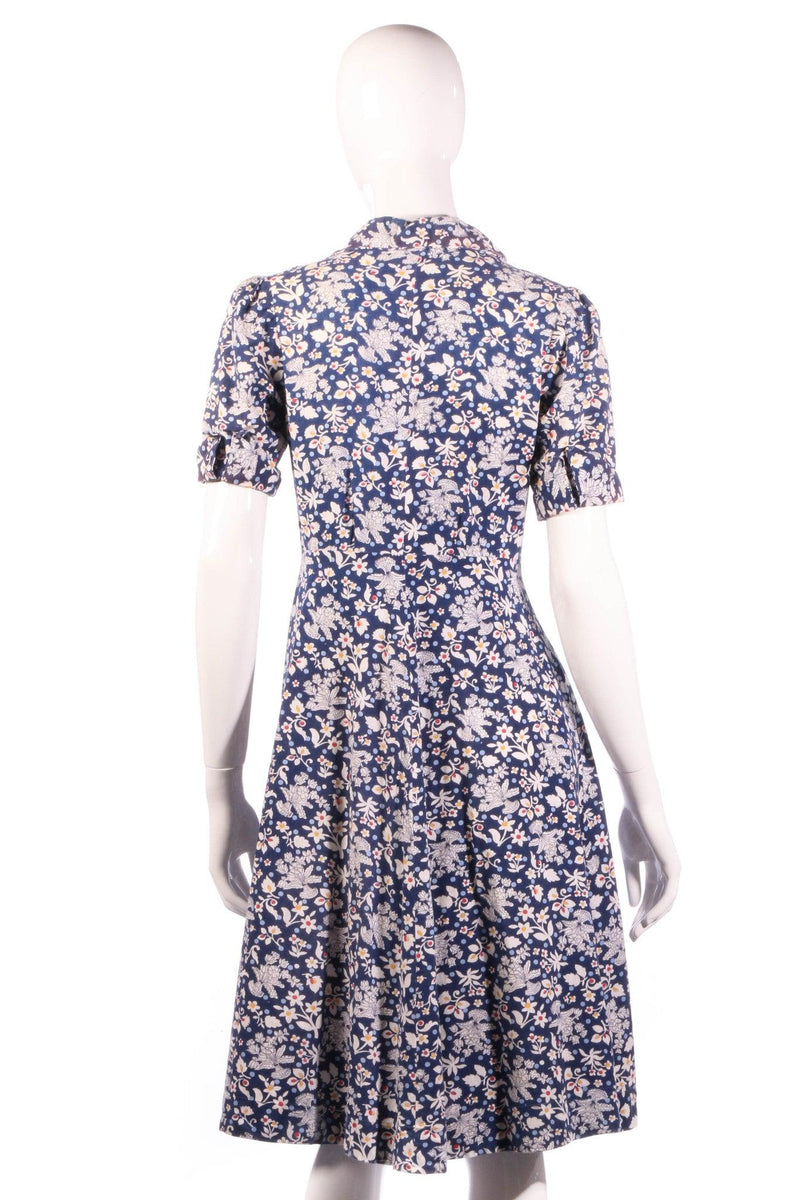 White and blue floral button up dress with collar back