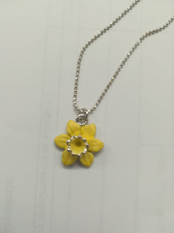 Small daffodil pendant (silver-plated chain)