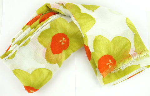 White scarf with Daffodil print
