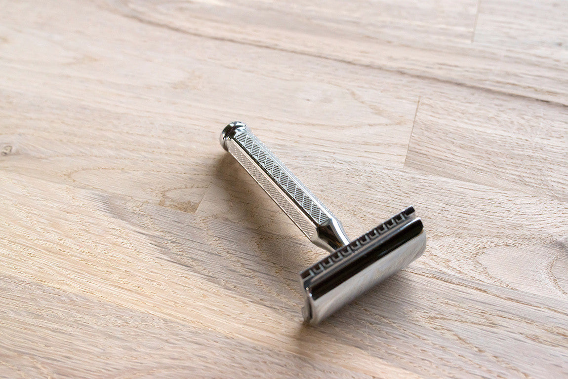 image of a razor for men
