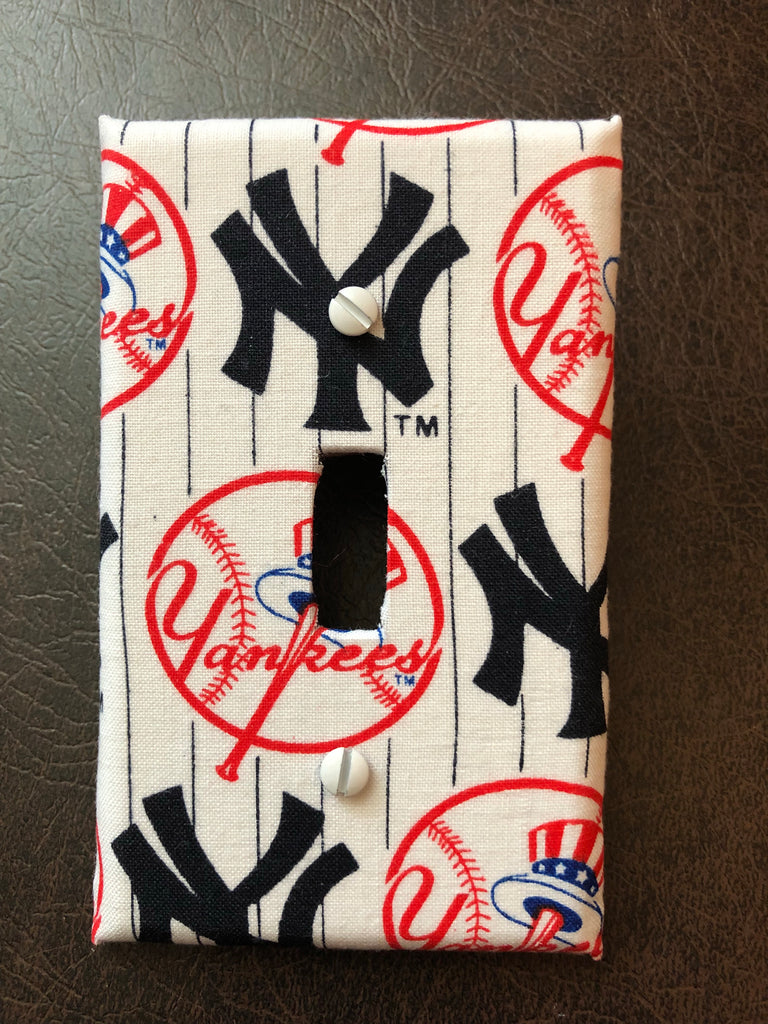 NY Yankees wall light switch plate cover