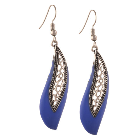 Fashion Lightweight Hook Dangler Cut Work Earrings For Women