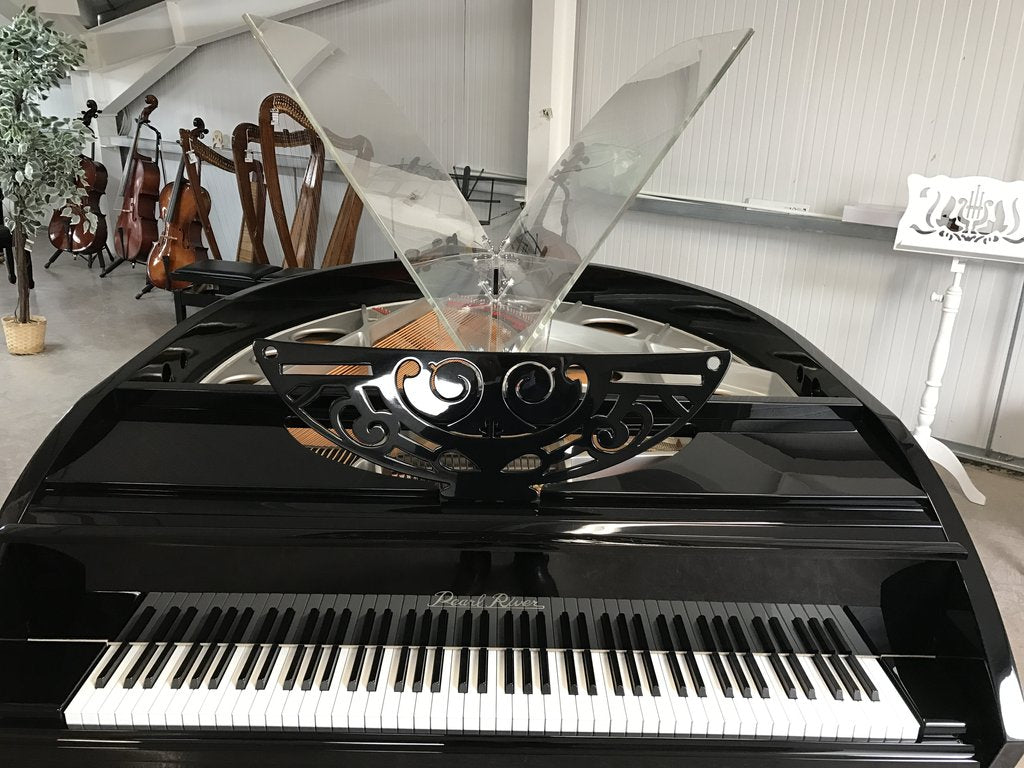 SELF PLAYING- PEARL RIVER GP198 BUTTERFLY GRAND PIANO