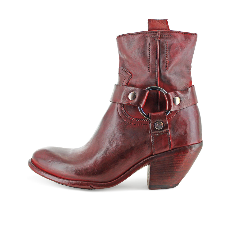 BUO8A - Red Gloria Western