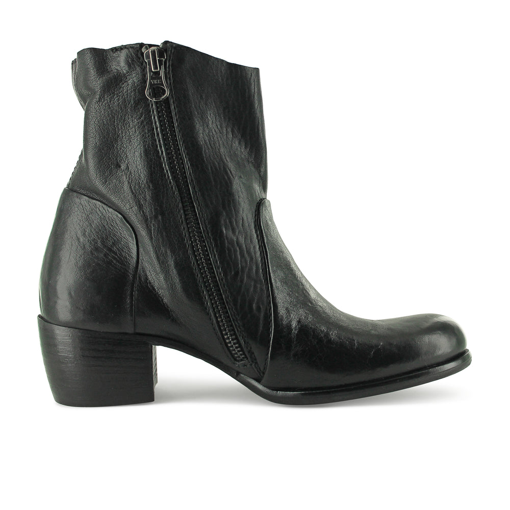6546 - Black Ankle Boot