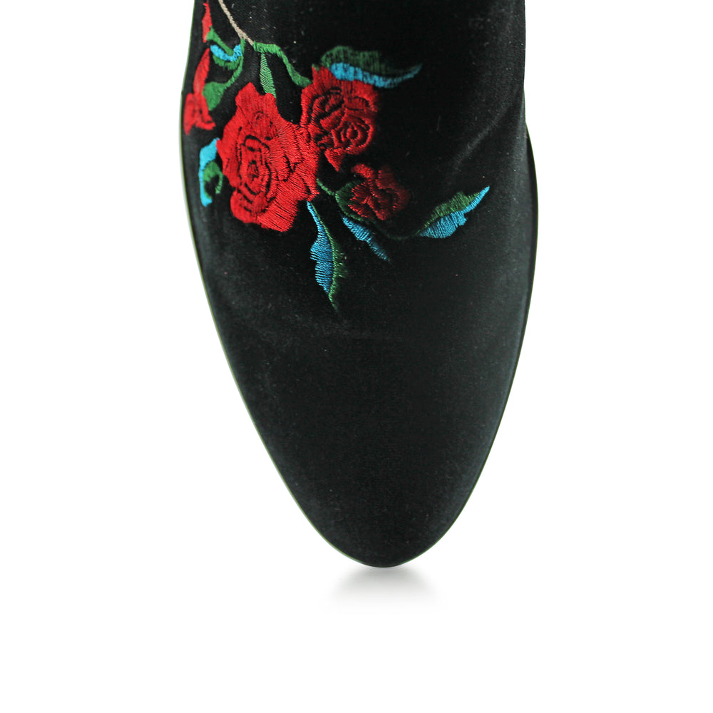 Got 21 - Black Velvet Rose