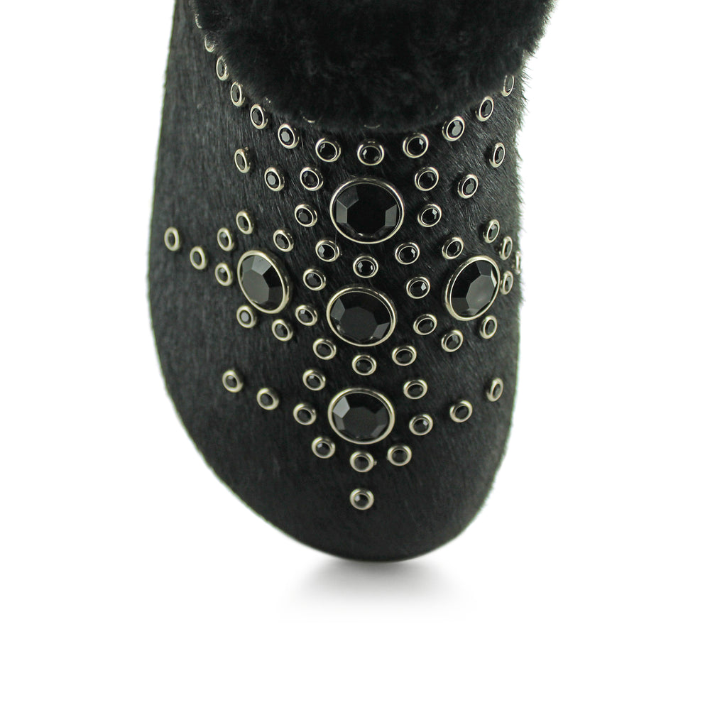 W17-SRW696 - Black Fur Mule