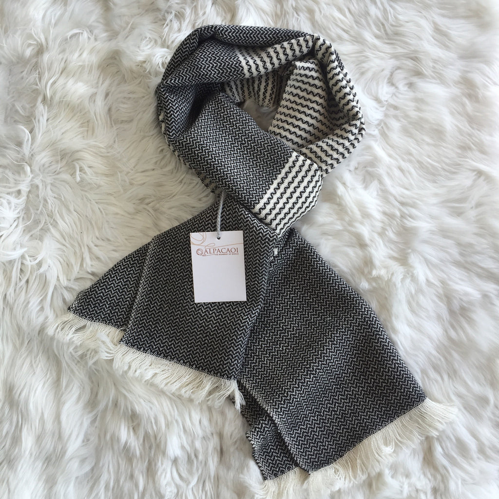 Black and white scarf with little squares and andine design handmade of 100% Peruvian alpaca wool