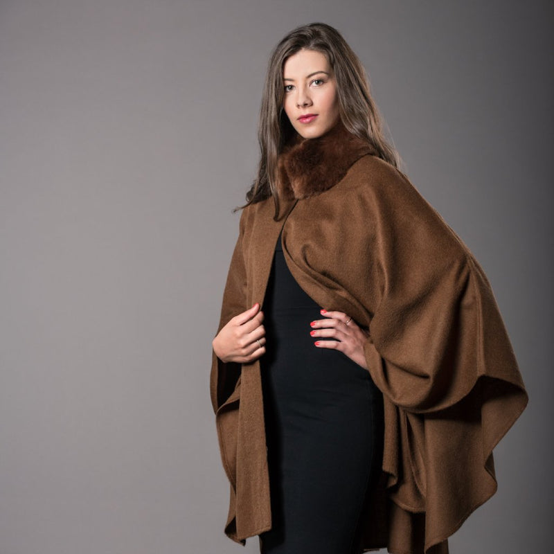 Alpaca cape with collar fur  ALPFURCAPE Camel