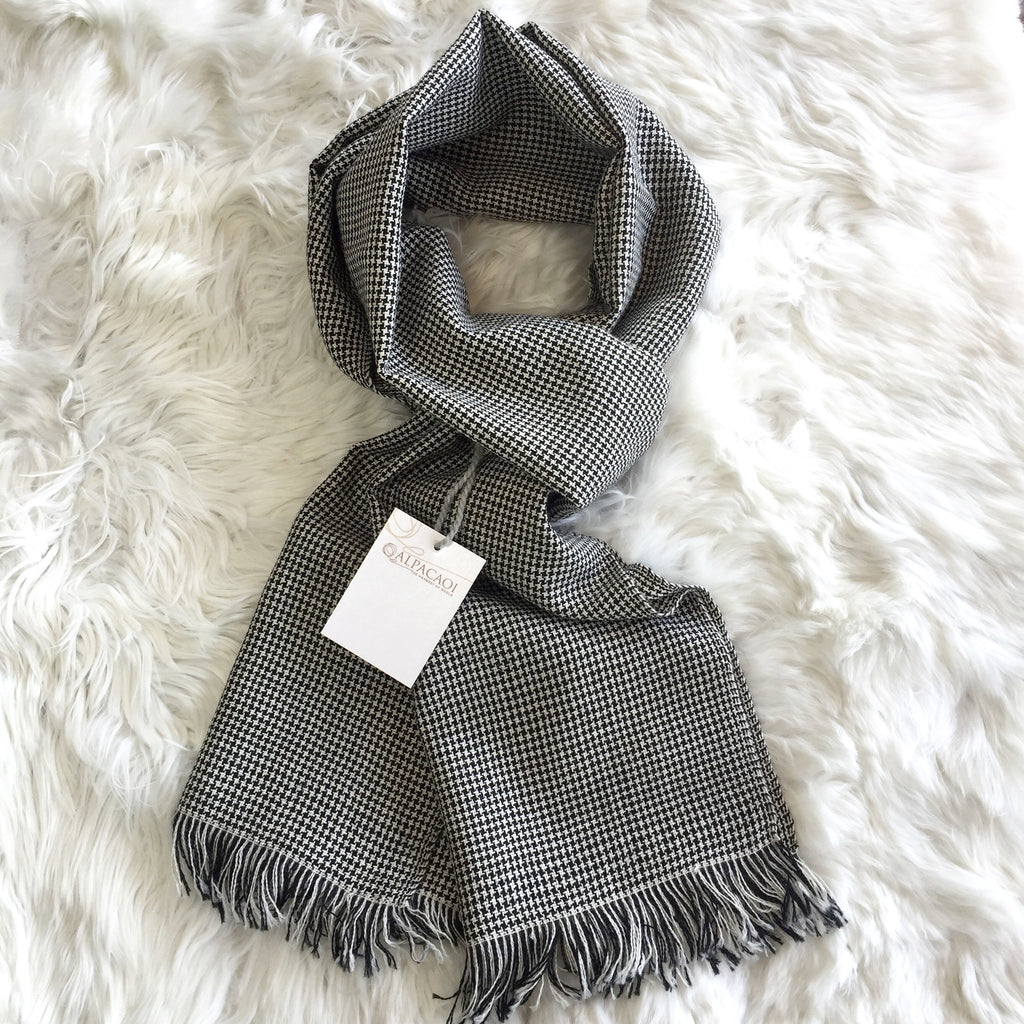 Black and white scarf with little squares handmade of 100% Peruvian alpaca wool