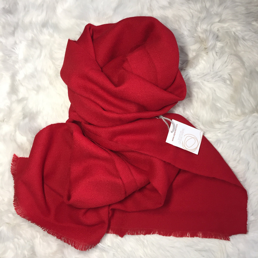 Alpaca scarf color red  made of 100% Peruvian alpaca wool