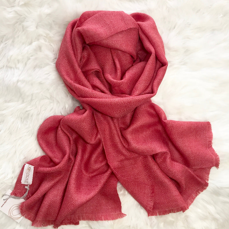 ALPACA SHAWLS LIGHT STRAWBERRY ALPSC-004 - Alpacaoi