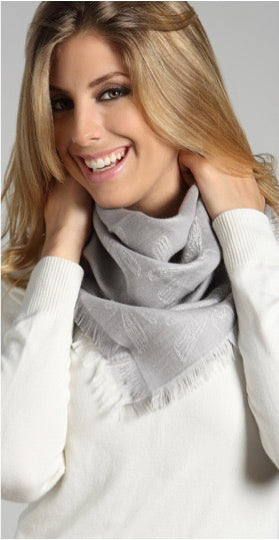 ALPACA / SILK SQUARE SCARF- LIGHT GREY MADE OF ALPACA WOOL AND SILK