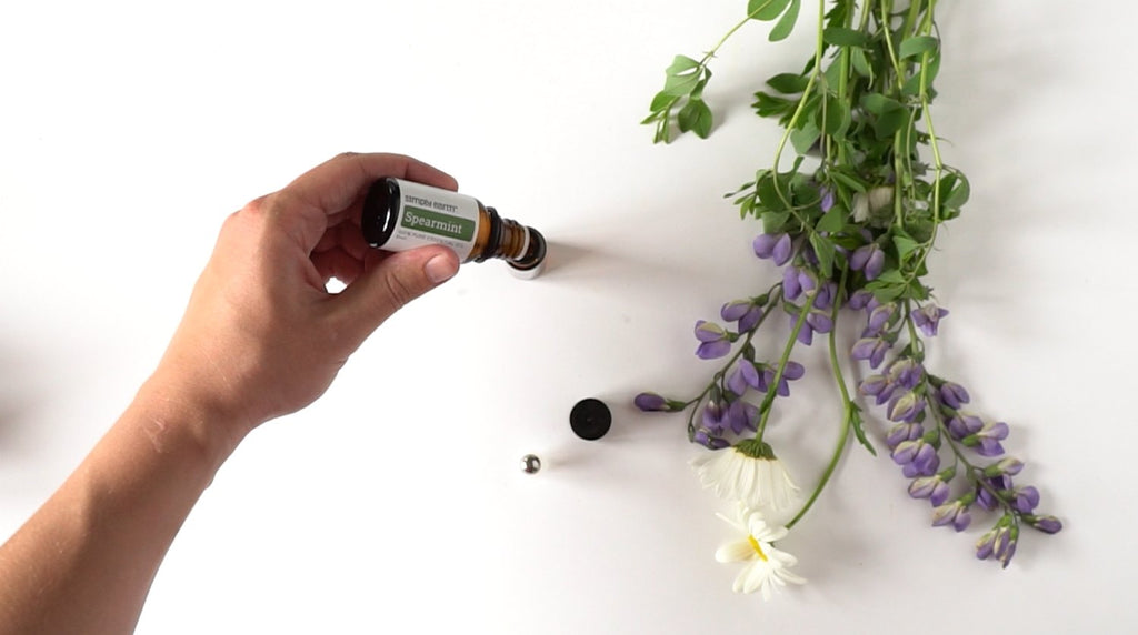 Clarifying Essential Oil Roll On Step 3