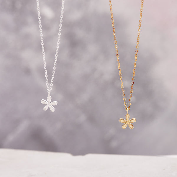 gold little flower pendant necklace
