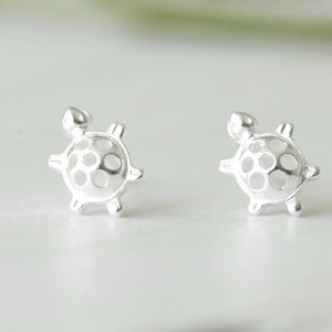 Silver Tiny Turtle Ear Studs - NuNu Jewellery