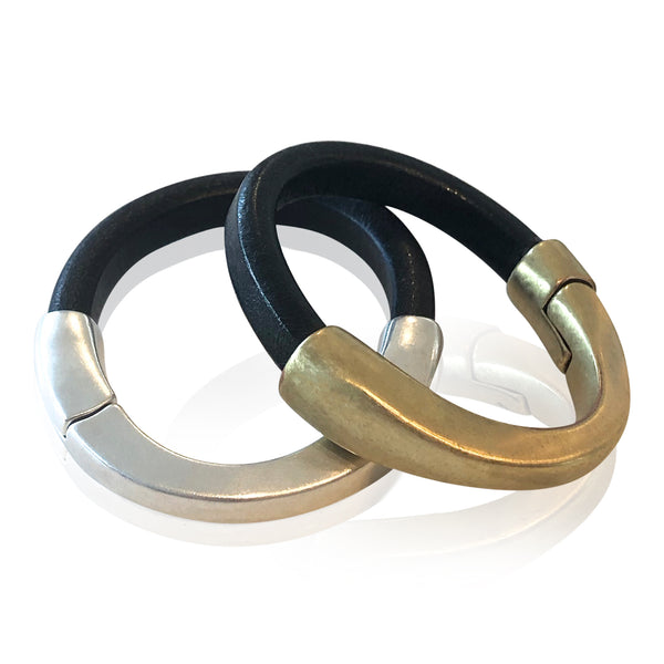 BA1 BK - Black Leather Bracelet with Arc Magnetic Clasp