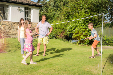 Traditional Garden Games 2 Player Badminton Set With Net