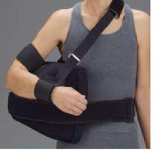 DeRoyal Hospital Grade Shoulder Abduction Pillow * Foam, M * 1 Per EA Three-D ™ Brand 11650006