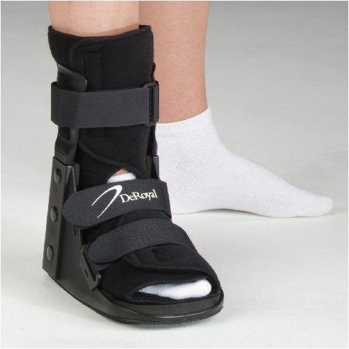 DeRoyal Hospital Grade Walker, Tracker EX * Concise, Closed Heel, L * 1 Per EA Three-D ™ Brand 15580067 - Home Health Superstore