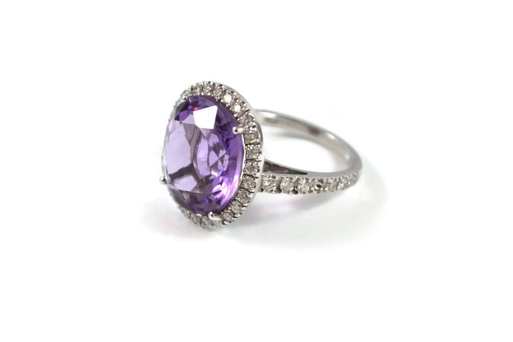 Le Magnifique - Ring with Amethyst and Diamonds, 18k White Gold.