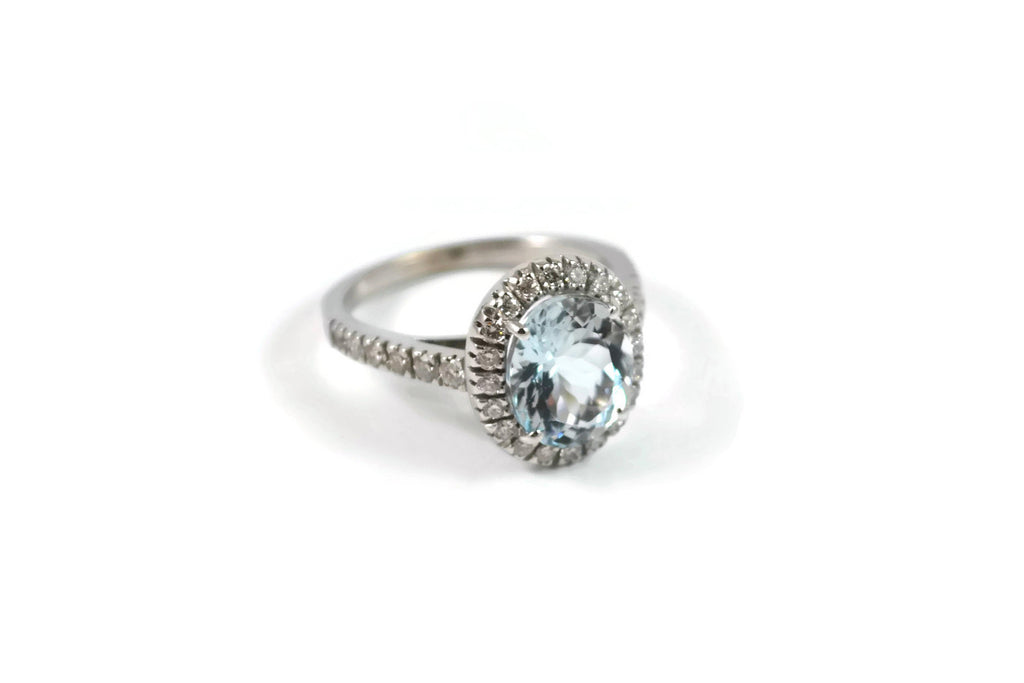Le Grand Magnifique - Ring with Aquamarine and Diamonds, 18k White Gold.
