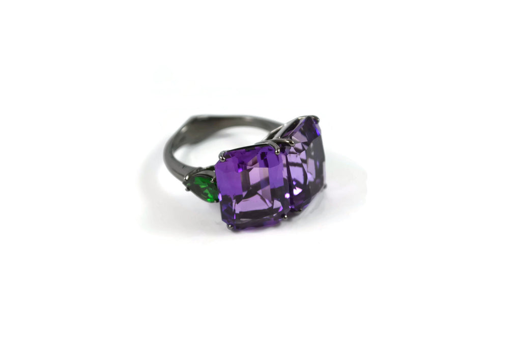 Marrakech - Cocktail Ring with Amethyst and Tsavorite Garnet, 18kWhite Gold with Black Rhodium.