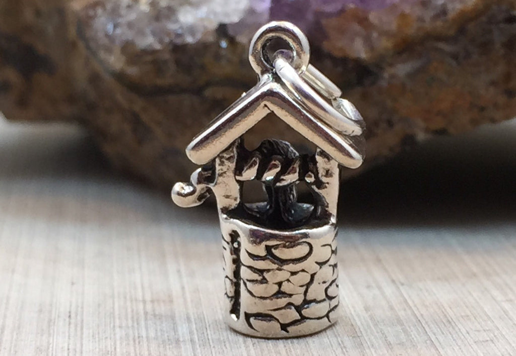 Wishing Well Charm, Wishing Well, Sterling Silver Wishing Well Charm, Jewelry Supplies, PS1436