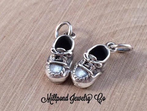 Baby Shoe Charm, Baby Shoe Pendant, Baby Charm, Baby Pendant, New Baby Charm, Sterling Silver Charm, Shoe Charm, 1Piece, PS01193