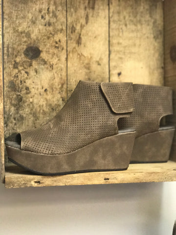Taupe Wedge