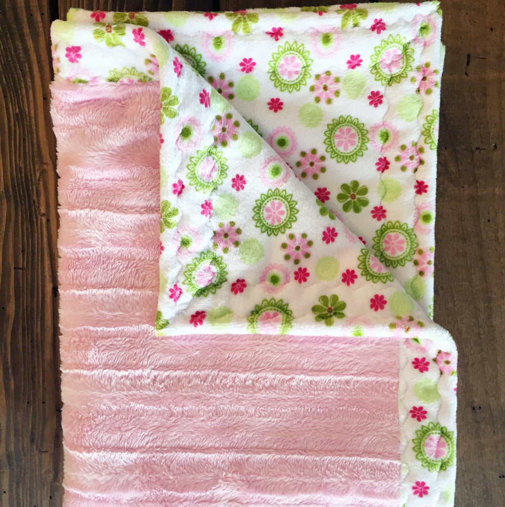 Daisy Bouquet with Embossed ribbon cuddle minky baby blanket (30