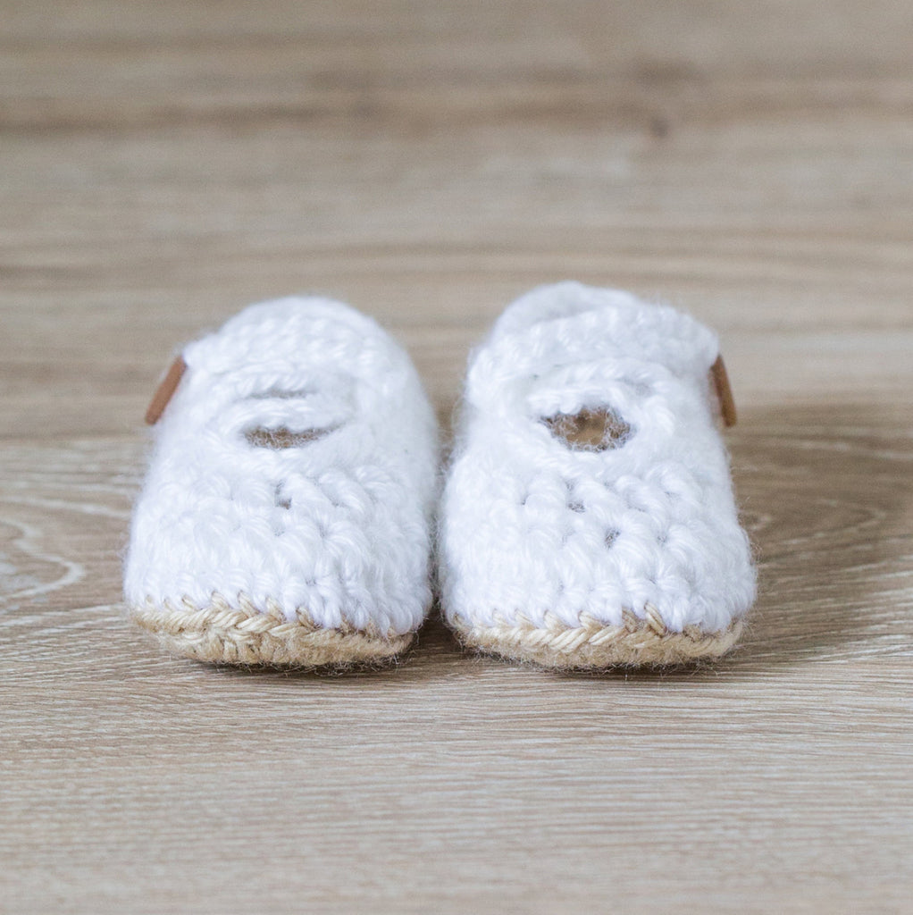 'Mirabelle' Mini Macaron Newborn Booties, Baby Booties, Newborn Photo Props, Pregnancy Reveal Booties - Artizenbox  - 1
