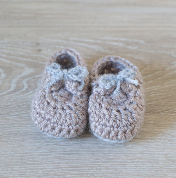 'Dulce De Leche' Mini Macaron Newborn Booties, Baby Booties, Newborn Photo Props, Pregnancy Reveal Booties - Artizenbox  - 1
