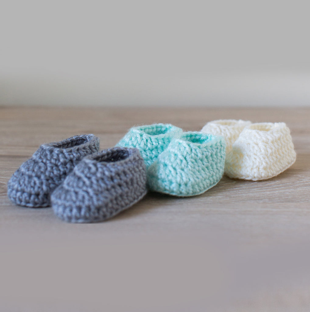 French Vanilla Mini Macaron Newborn Booties, Baby Booties, Newborn Photo Props, Pregnancy Reveal Booties - Artizenbox  - 1