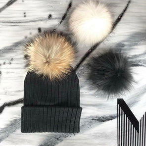 Une Tuque Doublée, 3 Pompons pour Adulte | One Beanie, 3 Pompons for Adult - Mpompon